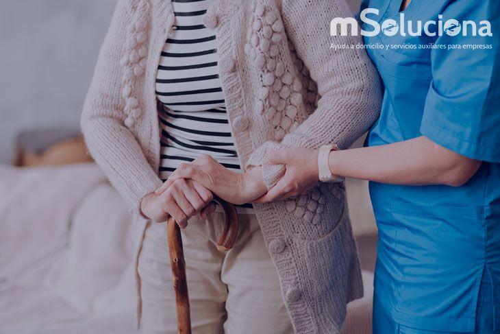 Mayores de alto riesgo: Beneficios de disponer de un cuidador